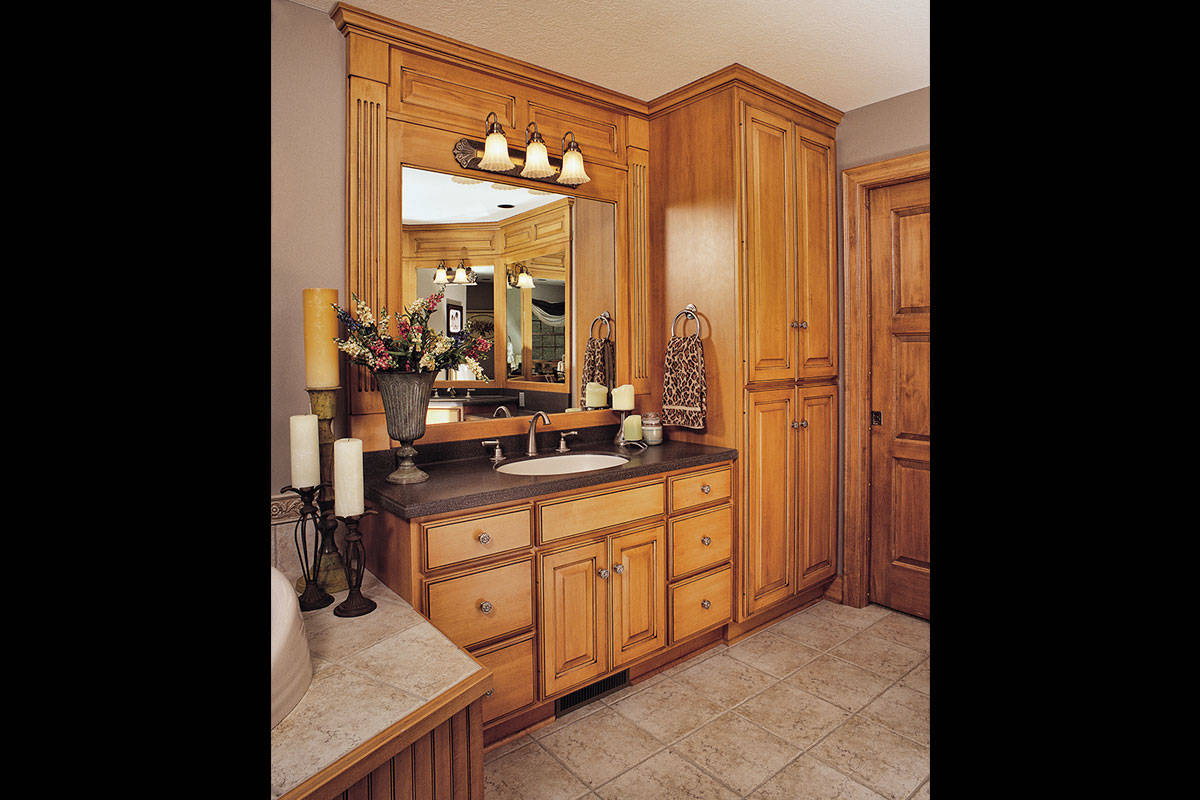 Glazed Bathroom with Mirrors - Large